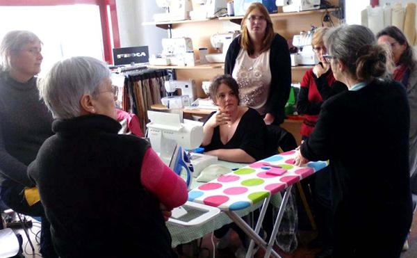 Atelier de Carmen au magasin Self Tissus de Vannes