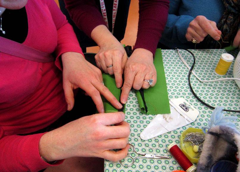Carmen animait son atelier Comment monter une fermeture invisible au magasin Self Tissus de Lannion