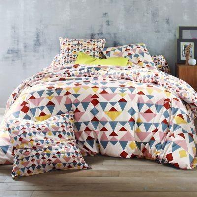 parrure de lit tissu géométrique