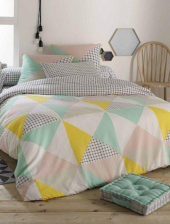 linge de lit tissu géométrique